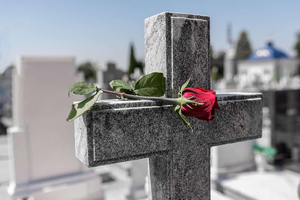 Progettazione e realizzazione giardinetti cimiteriali Milano